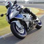 мотоцикл в вираже